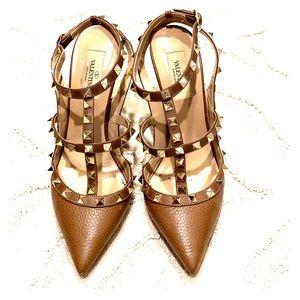 Valentino Rockstud heels tan size 38